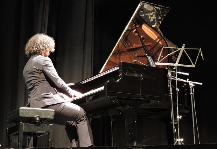 Gonzalo-Garcia-Calvo_piano